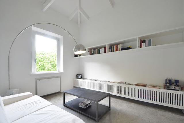 Loft ai parioli stile minimal e design dei maestri for Interni minimalisti
