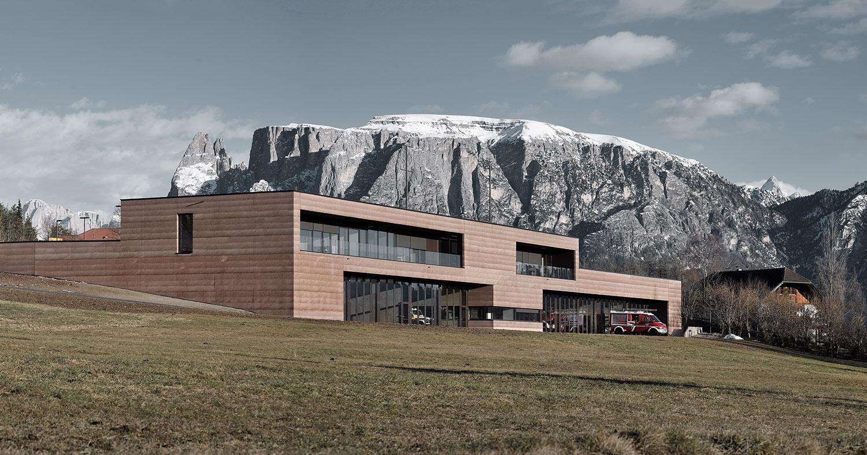 Altipiano del Renon, ultimato il Centro di protezione civile di Roland Baldi Architects