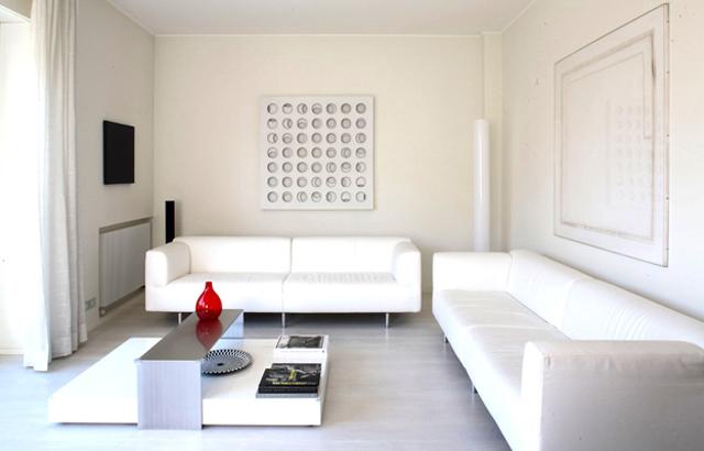 Total white design firmato Andrea Castrignano