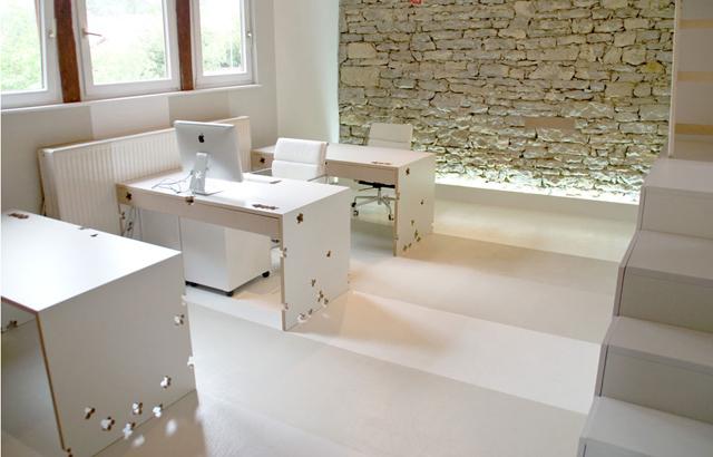 Senagold da un fienile a un ufficio di design p a design for Ufficio stampa design