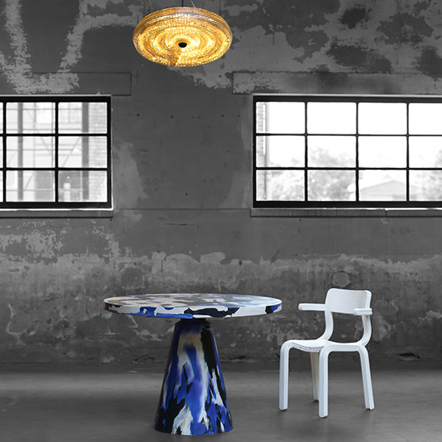 Melting-Pot-Table-Fresnel-Lamp-RvR-Chair