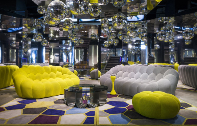 BUBBLE-sofa-by-Sacha-Lakic-Design-02