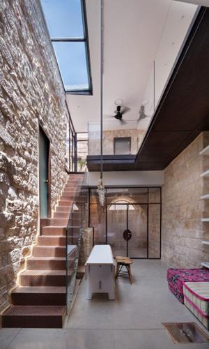L'enfasi della verticalità a Safed