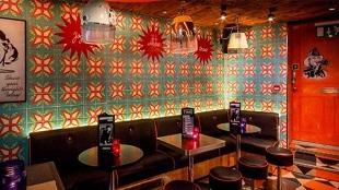 bar-light-scheme-retro-funk-hood-dryers-nightlife-nulty