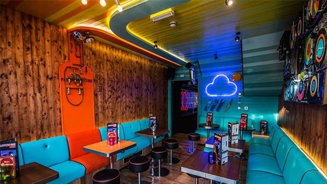 lighting-retro-room-bar-hospitality-fun-nulty
