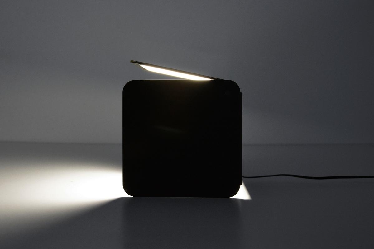 Qub tecnologia oled e design italiano p a design for Design italiano