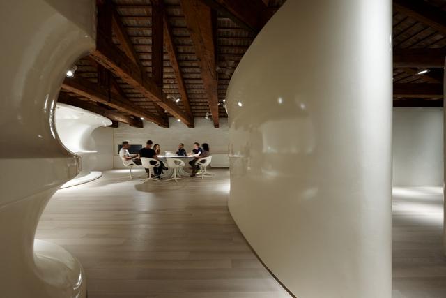 Illuminazione deffetto per gli uffici e lo showroom rubensluciano