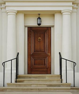 EFM Legno: al sicuro con stile, pannelli per porte blindate di alta qualità