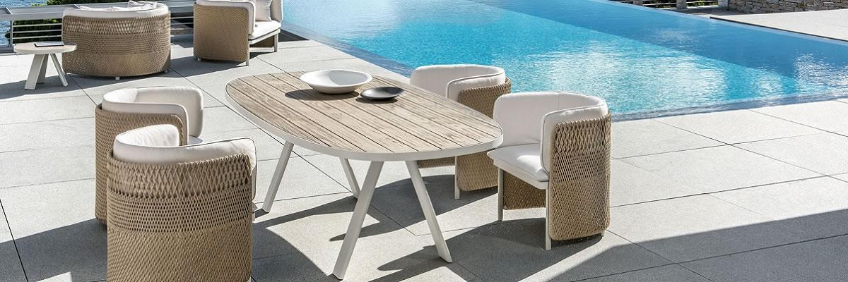Linee grafiche e stile contemporaneo per i tavoli da for Tavoli contemporaneo design