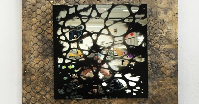 """""""Attraverso lo specchio"""": gli specchi dell'artista Alice Corbetta"""