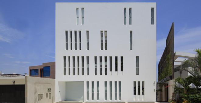 Perú: Edificio Paquidermo - Martin Dulanto