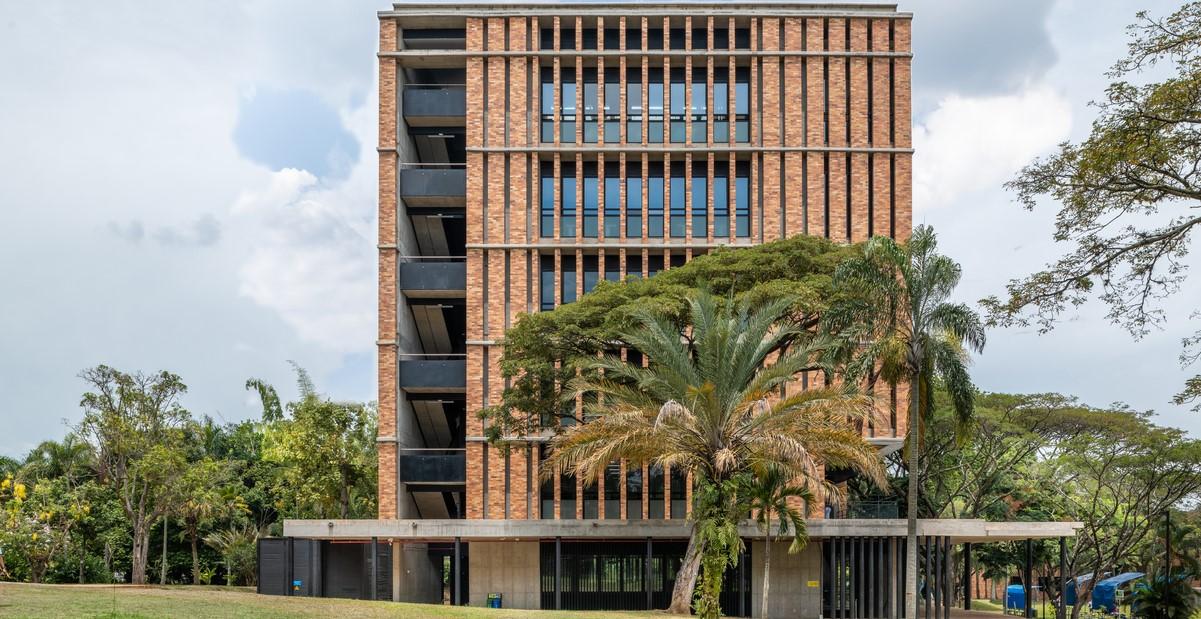 Colombia: Edificio Multipropósito Cedro Rosado - Espacio Colectivo Arquitectos