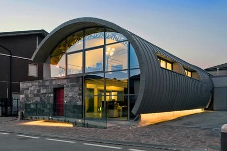 Copertura in zinco titanio VMZINC per la sede di uno studio di architettura