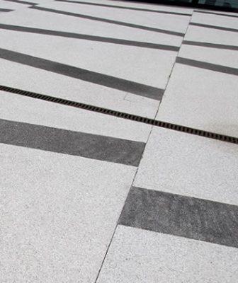 La pavimentazione in ghiaino e ciottoli: sicurezza, resistenza e design estetico