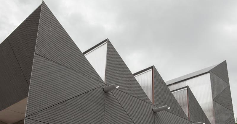 EQUITONE di Creaton Italia. Le lastre in fibrocemento ecologico per facciate ventilate che piacciono agli architetti e agli arti