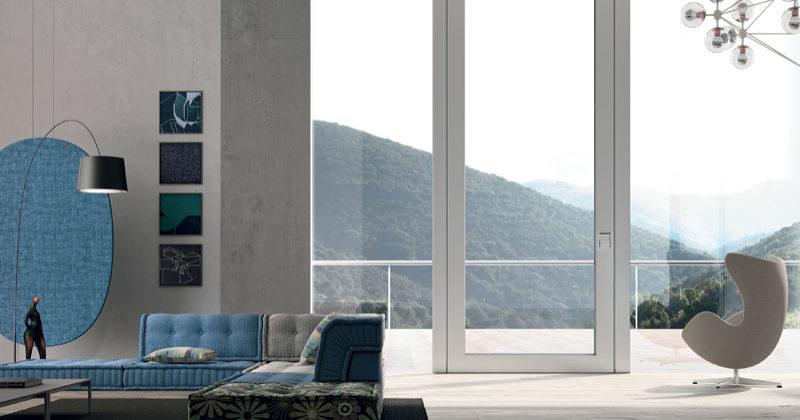 Nova, la porta blindata in vetro  di Oikos, uno sguardo sul paesaggio in tutta sicurezza