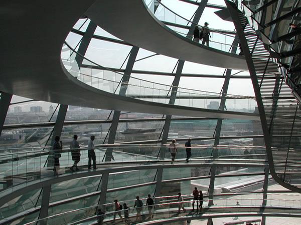 Ricostruzione della Cupola del Reichstag a Berlino di Norman Foster